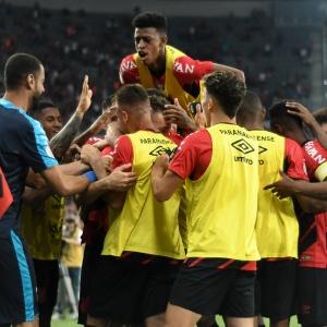 Athletico Paranaense se despede da sua torcida derrotando o vice-líder Santos