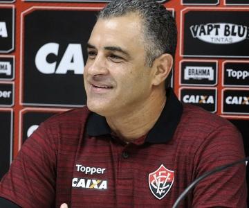 Crise! Direção do Vitória confirma a dispensa do treinador Marcelo Chamusca