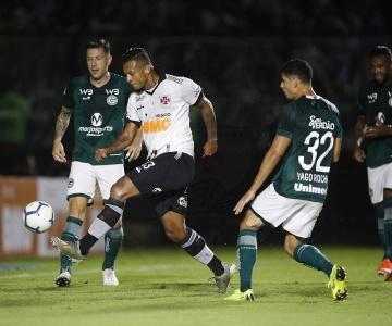 Jogando em São Januário, Vasco empata com o Goiás e frustra a sua torcida