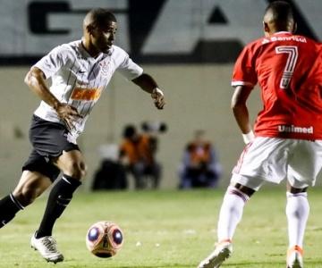 """Inter mostra superioridade, vence o Corinthians e vai à final da """"Copinha"""""""