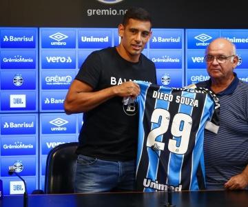 Depois de Thiago Neves, Grêmio confirma a contratação de Diego Souza
