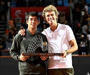 Chileno Cristian Garin vence tenista italiano e conquista o título do Rio Open