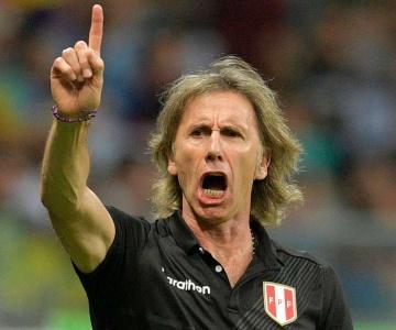 Treinador do Peru, argentino Ricardo Gareca quer a rápida volta do futebol