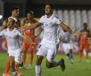Santos espera vencer o Delfín para ver a classificação bem mais próxima