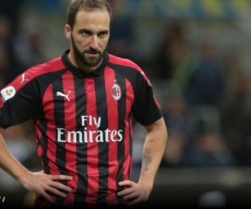 Imprensa italiana diz que argentino Higuaín está trocando o Milan pelo Chelsea