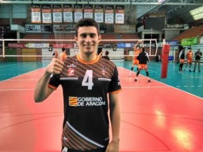 Vinícius Noronha estava na Espanha desde a temporada de 2015. Foto Diario  de Teruel. O jogador brasileiro Vinícius Noronha b52e2ebc50aa4