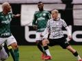 Corinthians mostra mais futebol e consegue vencer o Palmeiras, em Itaquera